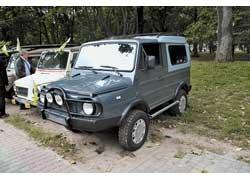 Торпедо от «пятерки» BMW (E12) хорошо подошло по размеру в салон ЛуАЗа, но «донор» может быть и другим.