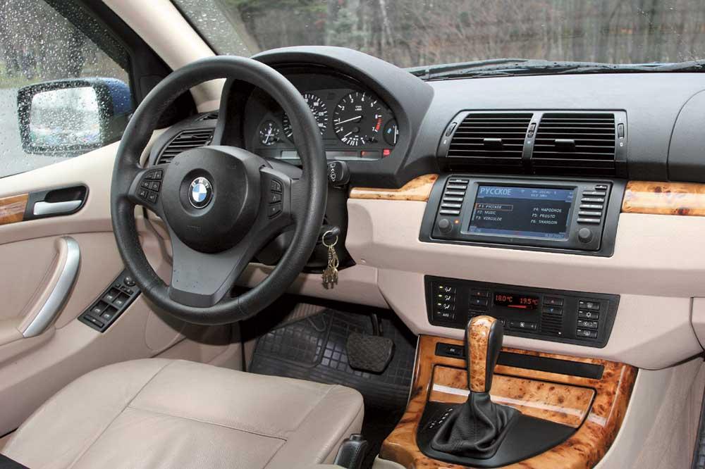 Infiniti FX, BMW X5: Бой гладиаторов