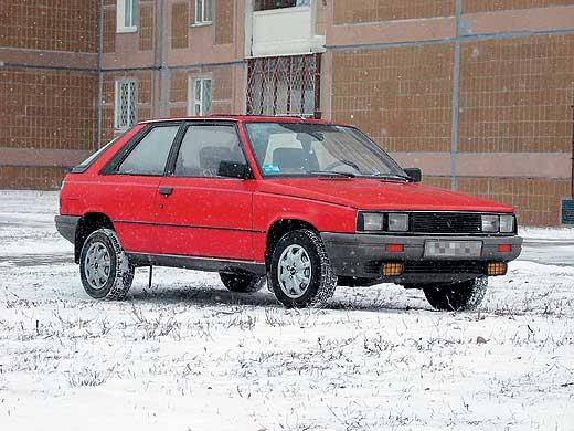 Renault 11 представлены 3- и 5-д…