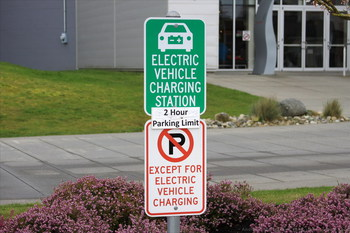 В Европе – бум на электромобили
