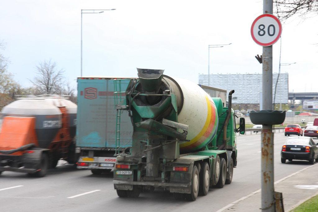 В Украине предлагают снизить максимальную скорость