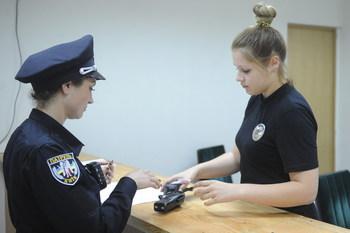 В Днепропетровске ажиотаж на прием в патрульную полицию (+ВИДЕО)