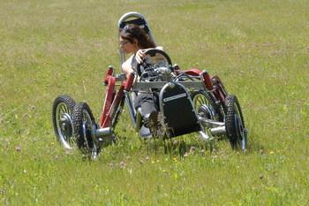 Багги-квадроцикл показал чудеса проходимости (+ВИДЕО)