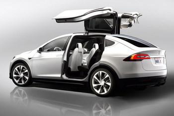 Объявлена цена самого доступного кроссовера Tesla Model X