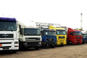 Как изменились ввозные пошлины на грузовики, автобусы и прицепы