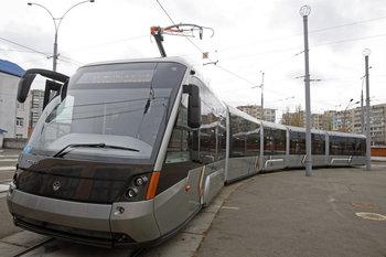 Киевляне тестируют трамвай «Электрон» (+ВИДЕО)