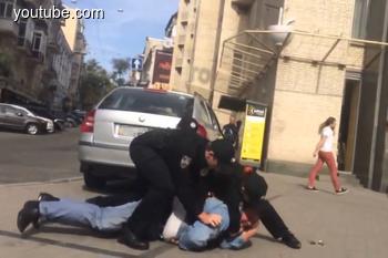 В Одессе таксисты подралась с полицейскими