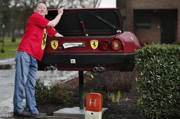 Настоящая Ferrari Mondial оказалась в почтовом ящике (+ВИДЕО)