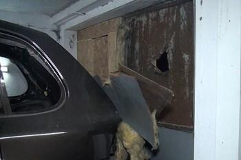Porsche Cayenne на киевском СТО  обстреляли из гранатомета (+ВИДЕО)