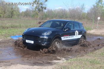Для Porsche ямы не помеха?