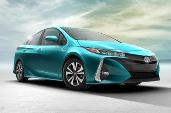 Toyota раскрыла карты по новым гибридам