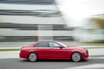 В Украине стал доступен самый технологичный седан в мире