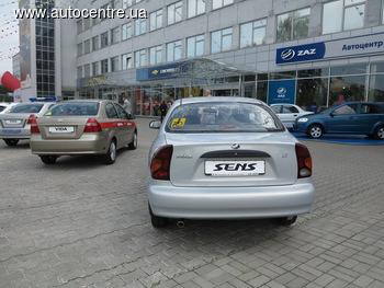 ZAZ показал новые автомобили для полиции и медиков (+ВИДЕО)