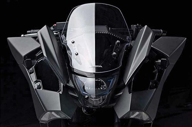 Мотоцикл Honda NM4 Vultus