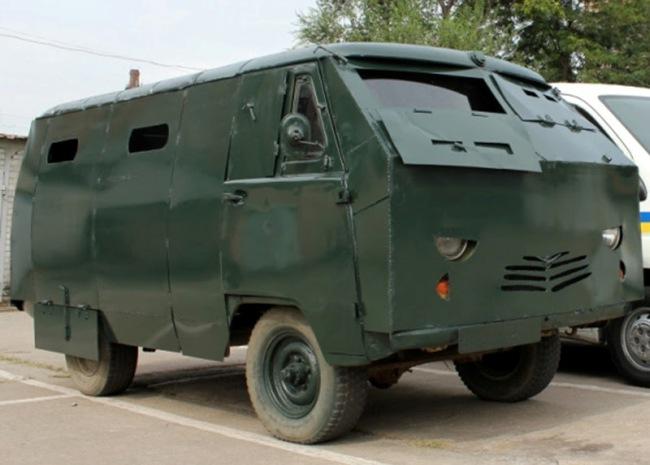 Сотрудники ГАИ подключились к обеспечению армии новыми машинами