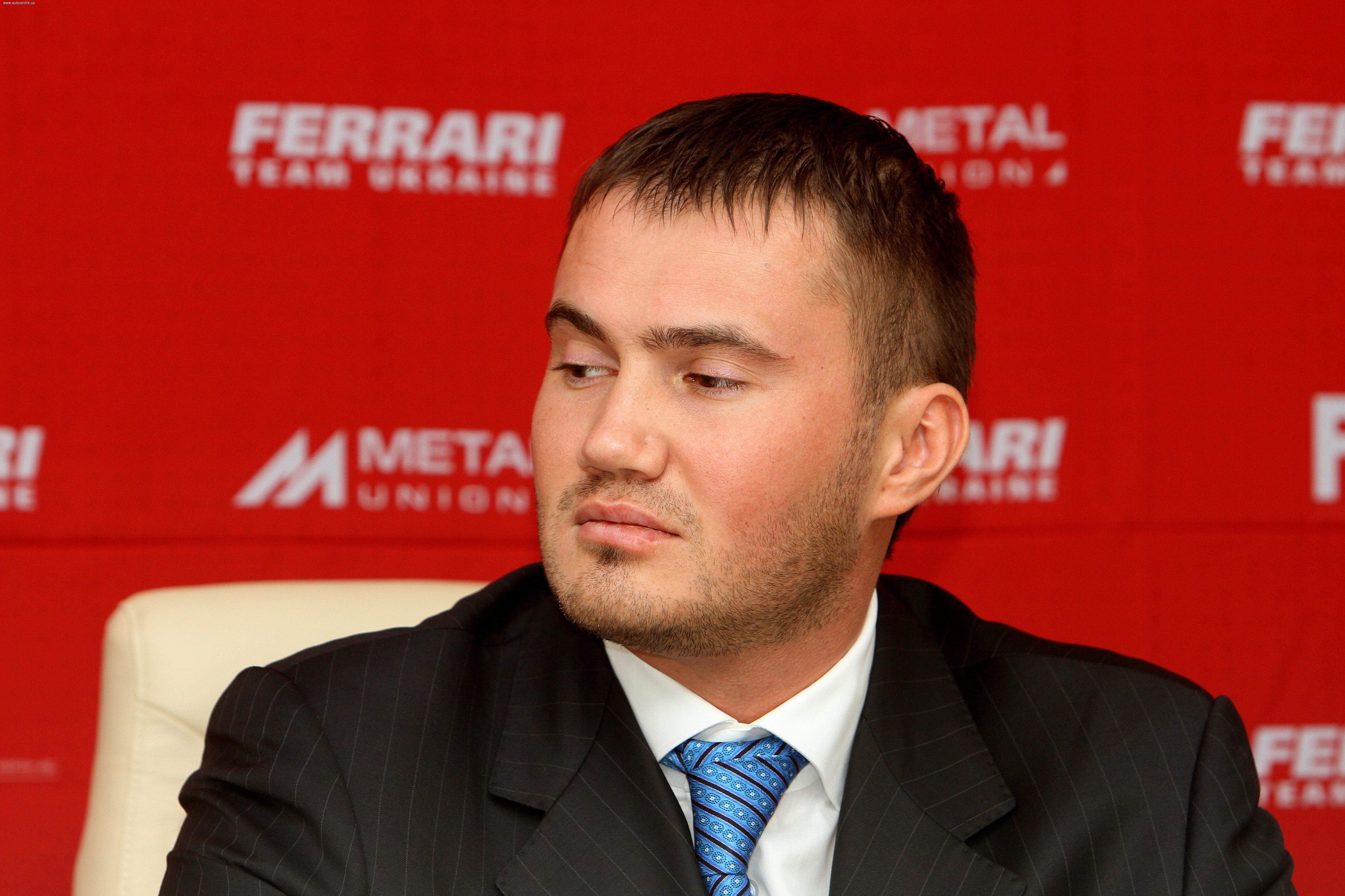 Сын Януковича вышел из руководящего состава ФАУ