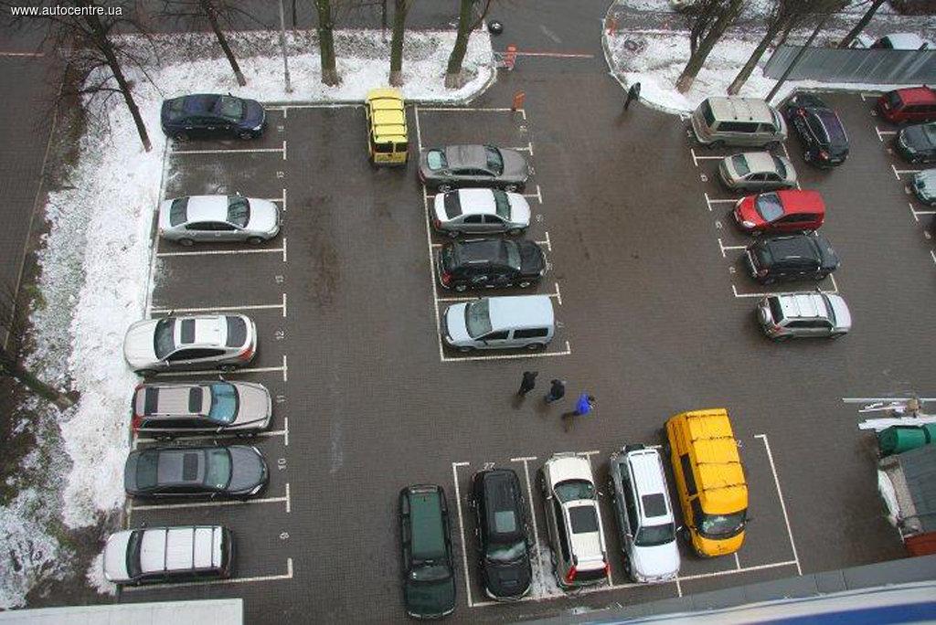 Появятся ли в Киеве современные парковки?
