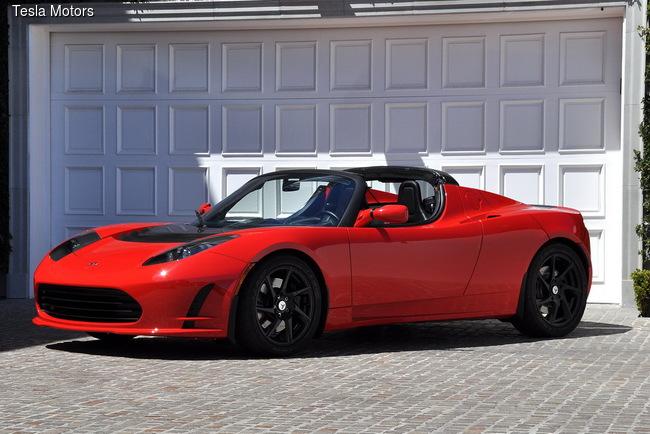 Tesla Roadster сможет преодолевать до 640 км
