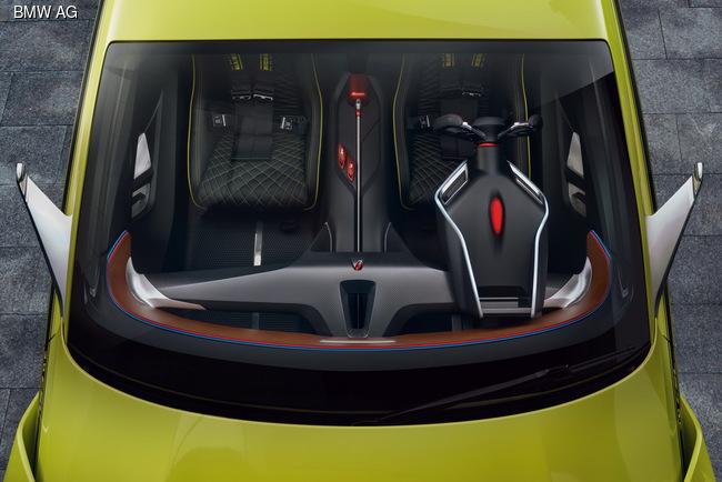 Концепт BMW 3.0 CSL Hommage дебютировал на конкурсе красоты
