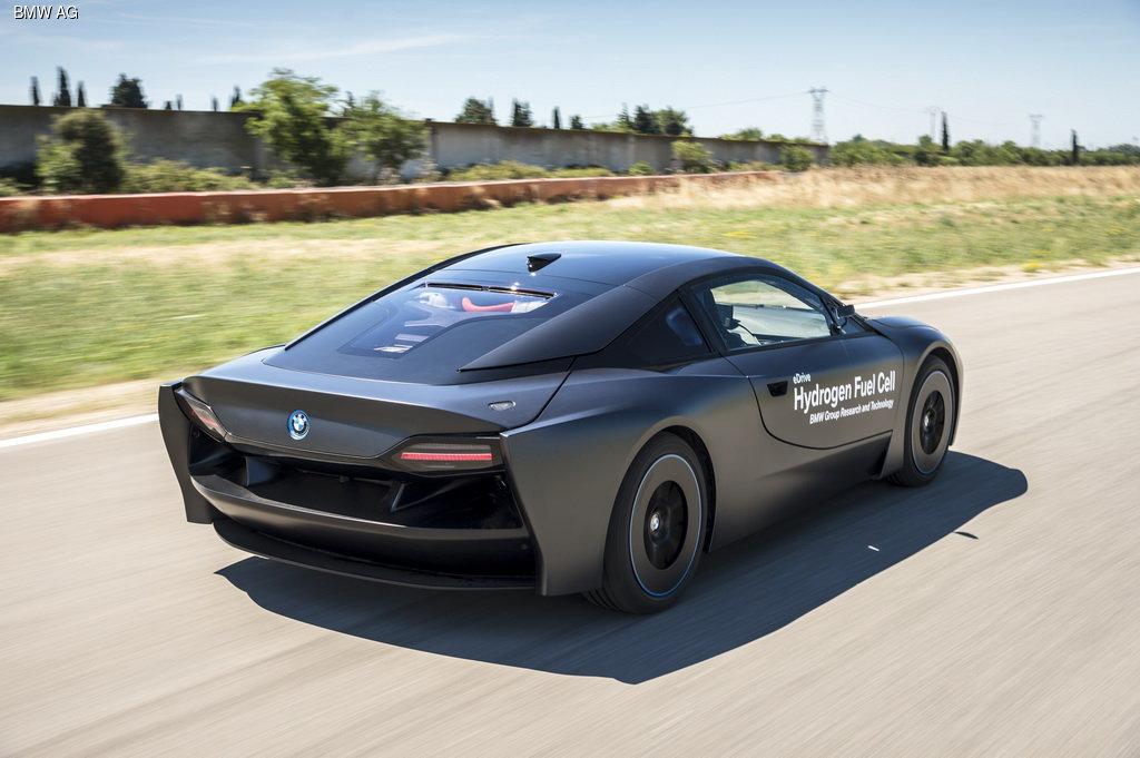 Компания BMW создала спорткар на водороде