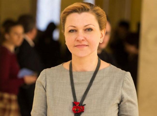Оксана Продан - народний депутат, член Комитета по вопросам налоговой и таможенной политики