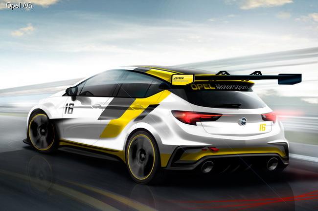 Новая Astra выходит на гоночный трек