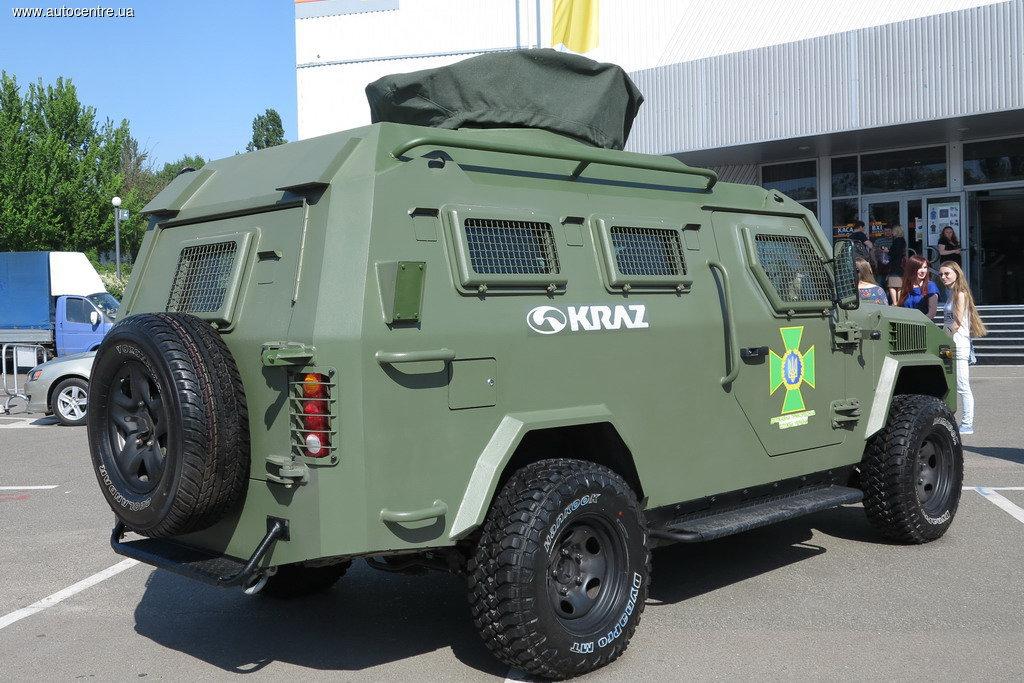 Центр Киева будут патрулировать на «Кугуарах»