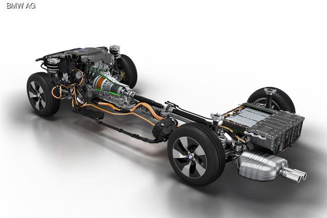 Седан BMW 3-Series стал гибридным