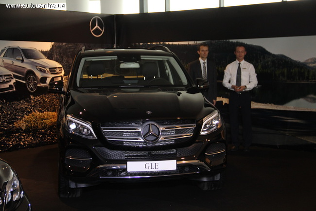 Трио новых Mercedes-Benz уже в Украине