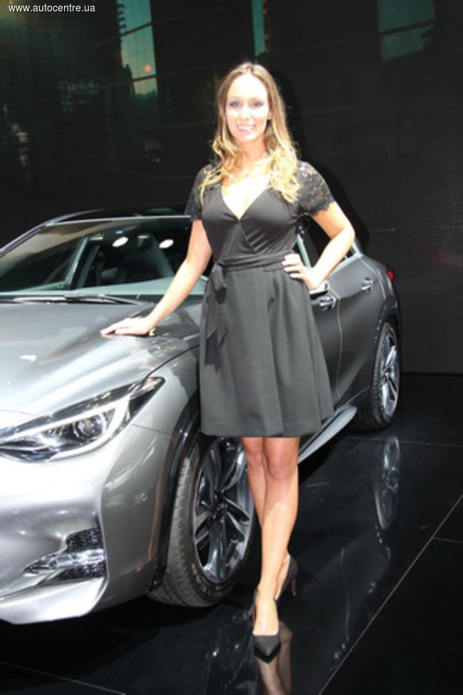 Франкфуртский автосалон 2015: девушки и автомобили