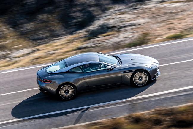 Серийный Aston Martin DB11