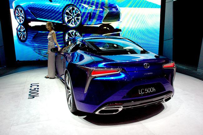 Женевский автосалон 2016: новое купе Lexus LC 500h