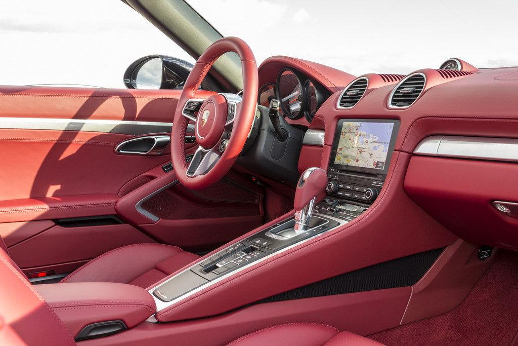 Обивку для Porsche и BMW будут шить в Украине