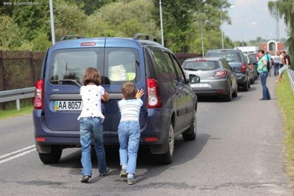 Уехать из Киева и вернуться в него водителям будет нелегко