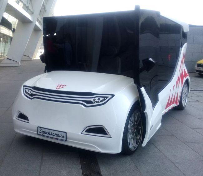 В Киеве показали электромобиль Synchronous