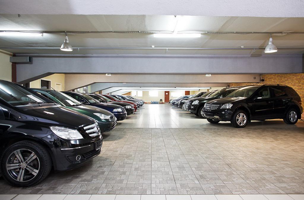 После внесения оплаты человеку отдается список документов, который даст возможность пропустить автомобиль на родину