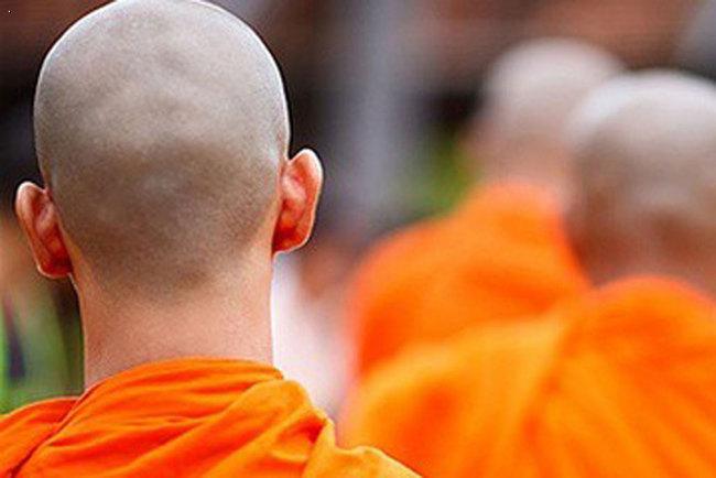 Монах нелегально купил 22 автомобиля на сумму более 3 млн долларов