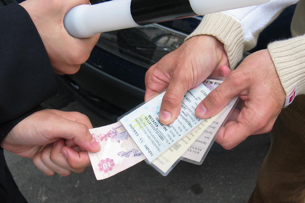 """В Черкассах сотрудникам ГАИ запретили """"сидеть в кустах"""" и безосновательно останавливать автомобили - Цензор.НЕТ 629"""