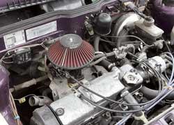 Практически стандартный «вазовский» двигатель доживает последние месяцы под капотом этой «девятки».