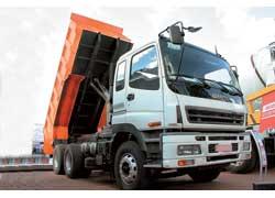 Развертываются поставки в Украину большегрузов Isuzu CYZ.