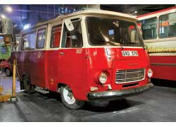 Микроавтобус Peugeot J5 (1981 г.) – предок известного у нас турецкого Karsan. Груз. – 1,0 т. Мотор – диз., 75 л. с.