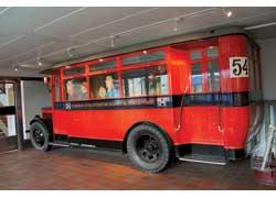 Так выглядел ветеран Scania-Vabis 8406 (1928 г.). Кузов – AB Arvika Vagnfabrik. Мест – 40 (сид. – 24). Мотор – бенз., 75 л. с.