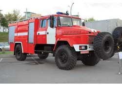 Придет на помощь по любому бездорожью новинка от ХК «АвтоКрАЗ» – полноприводная пожарная автоцистерна АЦ-40 (5333НЕ), модель 268.10.4.