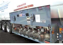 Компания «Траксим» представила цистерну голландской марки Burg. Прицеп оснащен компьютерной системой против несанкционированного слива топлива. Несмотря на цену в 25 тыс. евро, электронный «страж» окупается менее чем за год.