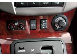 Пневмоподвеска позволяет менять клиренс от 170 до 185 мм нажатием клавиши.