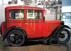 Один из первых автомобилей BMW – 3/15PS DA2 Limousine (1929–31 гг.). 4 цил., 748 см куб., 15 л. с., 75 км/ч.
