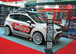 Любители тюнинга могли ознакомиться с тюнинг-пакетами экстерьера и интерьера для самых свежих моделей машин.
