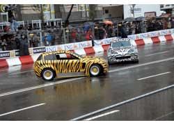 Renault Car Toons – забавные автомобильчики, созданные для выполнения различных трюков.