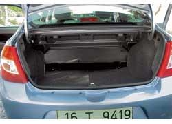 Объем багажного отсека в 506 литров – более чем солидный показатель не только для машины B-, но и С- и даже D-класса.