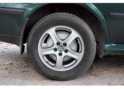 Замена барабанных тормозов на дисковые – удовольствие не из дешевых. Вместе с дисками и шинами это может обойтись в сумму, сравнимую с доплатой за покупку более «заряженной» модификации.